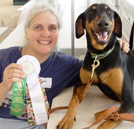 Helen and Raven's First Agility Q and ribbon